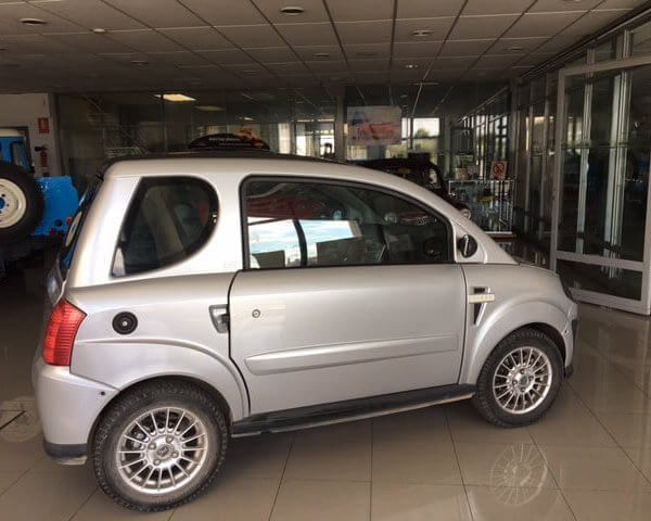 Microcar Dué First GT lateral